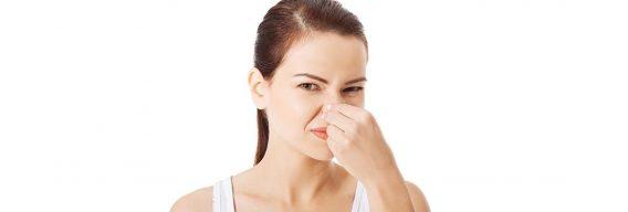 ¿Cómo eliminar el mal olor corporal y evitar sudar mucho?